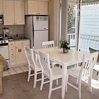 Фото отеля ResortQuest Rentals at Nantucket Rainbow Cottages 3*