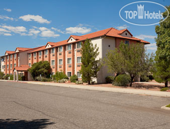 Days Inn Camp Verde 3*