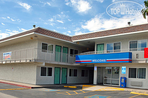 Motel 6 Mesa North 2*