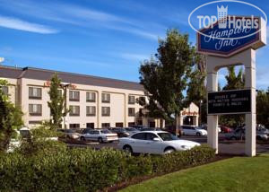 Hampton Inn Portland East 2*