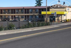 Days Inn Portland Airport 2*