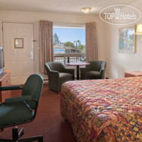 Фото отеля Days Inn Bend 3*