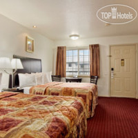 Фото отеля Days Inn Newport 2*
