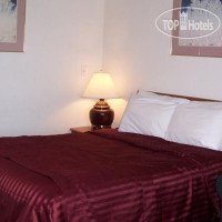 Фото отеля Red Carpet Inn Medford 3*