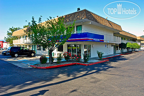 Motel 6 Grants Pass 2*