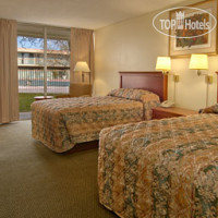 Фото отеля Super 8 Meadow Wood Courtyard 2*