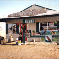 Фото отеля Dog Bark Park Inn 3*