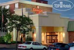 Ramada Plaza Grand Rapids 2*