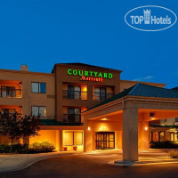 Фото отеля Courtyard Grand Rapids Airport 3*