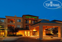 Courtyard Grand Rapids Airport 3*