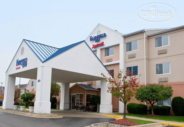 Fairfield Inn Lansing West 2*