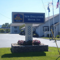 Фото отеля Best Western Plus New Englander Motor Inn 2*
