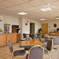 Фото отеля Days Inn Colchester Burlington 2*