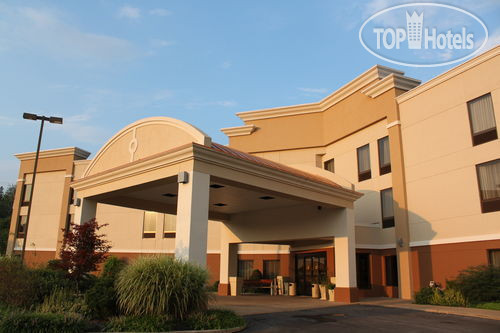 Holiday Inn Express Lewisburg/New Columbia 2*