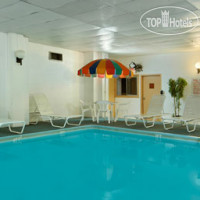 Фото отеля Days Inn Chester Philadelphia Airport 2*
