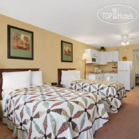 Фото отеля Days Inn Harrisburg North 2*