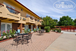 Best Western Kiva Inn 2*