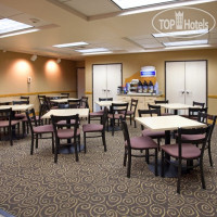 Фото отеля Holiday Inn Express Boulder 2*