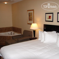Фото отеля Holiday Inn Express Hotel & Suites Ft. Collins 2*
