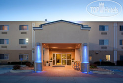 Holiday Inn Express Greeley 2*