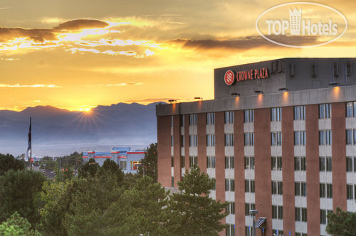 Crowne Plaza Denver International Airport 3*