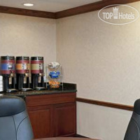 Фото отеля Hampton Inn Bloomington 2*