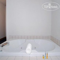 Фото отеля Quality Inn & Suites Noblesville 2*