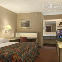 Фото отеля Red Roof Inn Fort Wayne 2*