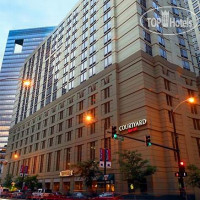 Фото отеля Courtyard Chicago Downtown/River North 3*