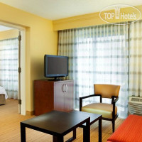 Фото отеля Courtyard Atlanta Airport North/Virginia Avenue 3*