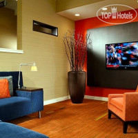Фото отеля Courtyard Atlanta Airport South/Sullivan Road 3*