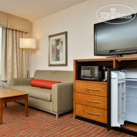 Фото отеля Holiday Inn Express Boston-Milford 3*