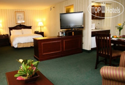 Radisson Hotel & Suites Chelmsford-Lowell 3*