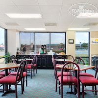 Фото отеля Days Inn and Suites Round Rock 2*
