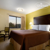 Фото отеля Days Inn And Suites DeSoto 2*