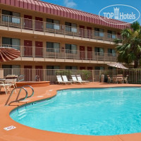 Фото отеля Red Roof Inn Corpus Christi South 3*