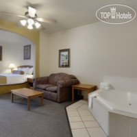 Фото отеля Best Western Plus Hill Country Suites 3*