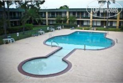 Ramada Inn North Houston 2*