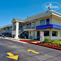 Фото отеля Motel 6 Austin Central-North 2*