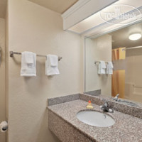 Фото отеля Days Inn Downtown/Riverwalk Area 2*