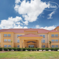 Фото отеля La Quinta Inn & Suites Port Lavaca 2*