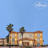 Фото отеля La Quinta Inn Galveston East Beach 2*