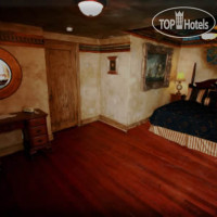 Фото отеля Amid Summer's Inn Bed and Breakfast 3*