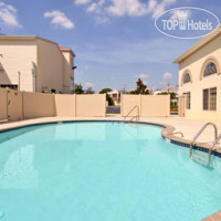 Фото отеля Days Inn & Suites Cherry Hill - Philadelphia 2*