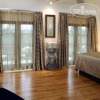 Фото отеля Chateau Inn & Suites 3*