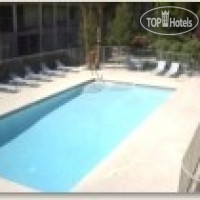 Фото отеля Holiday Royale Apartment Suites 2*