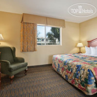 Фото отеля Days Inn And Suites San Diego SDSU 2*