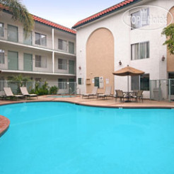 Days Inn & Suites San Diego Near Sea World