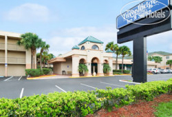 Travelodge Inn & Suites Orlando Airport 2*