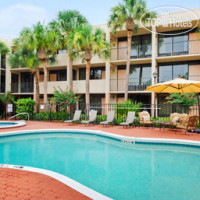 Фото отеля Travelodge Inn & Suites Orlando Airport 2*